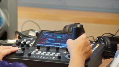 NTSO數位音樂廳採用五部鏡頭可上下左右移動之變焦攝影機。(圖:國台交)