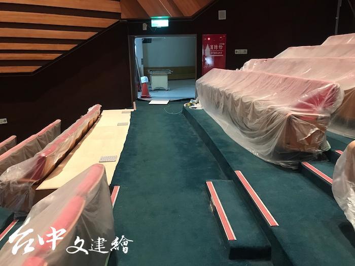 中山堂新增七個無障礙座位,一共 12 個。(圖:台中市文化局)