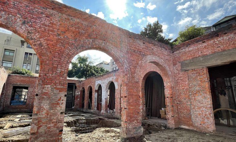 台中大屯郡役所西棟,正進行牆體及基礎修復。(圖:台中市文化局)