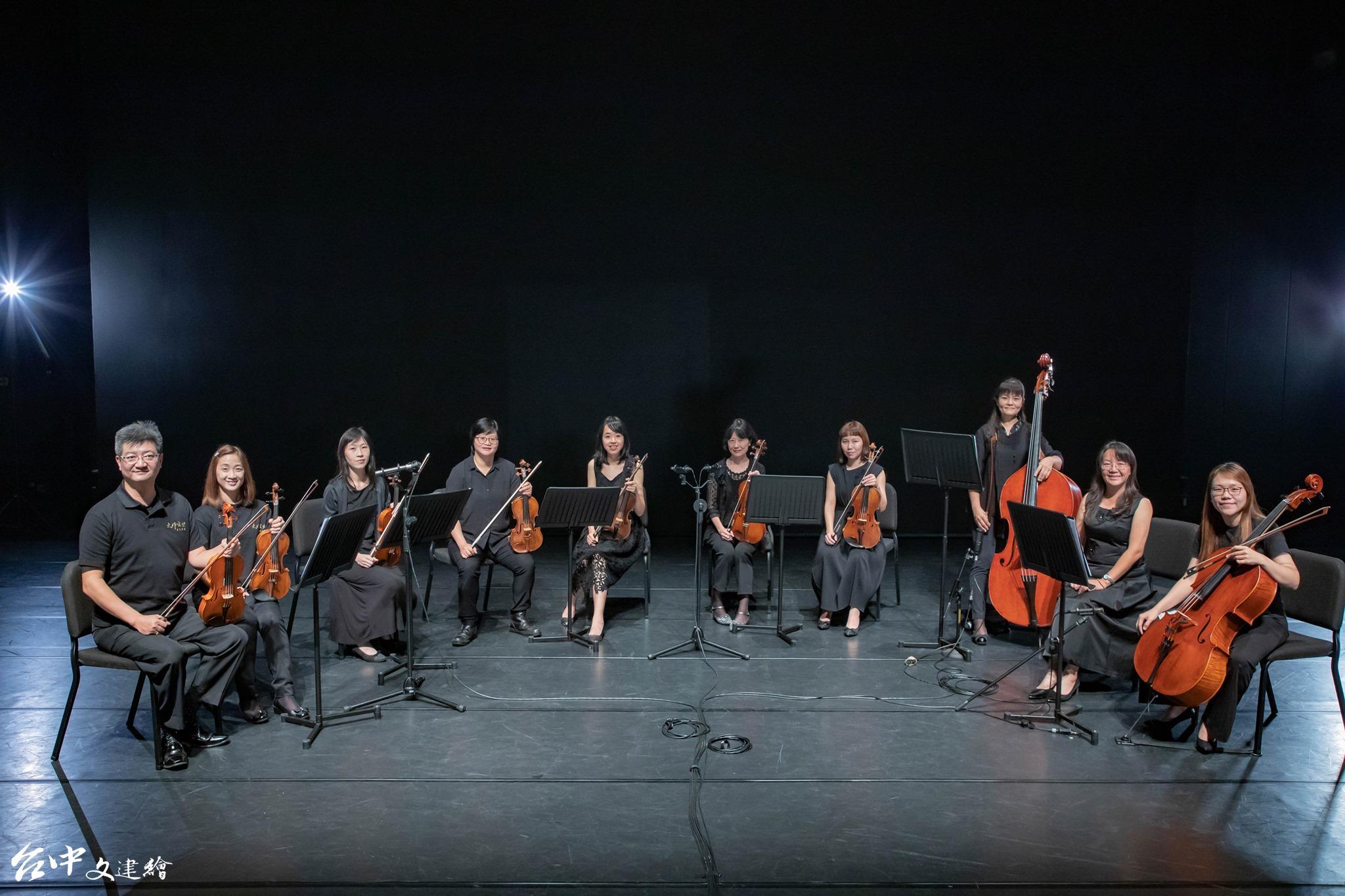 大甲愛樂室內樂團參與台中歌劇院創館以來首檔自製歌劇「糖果屋」演出。(圖:「大甲愛樂室內樂團」粉專)