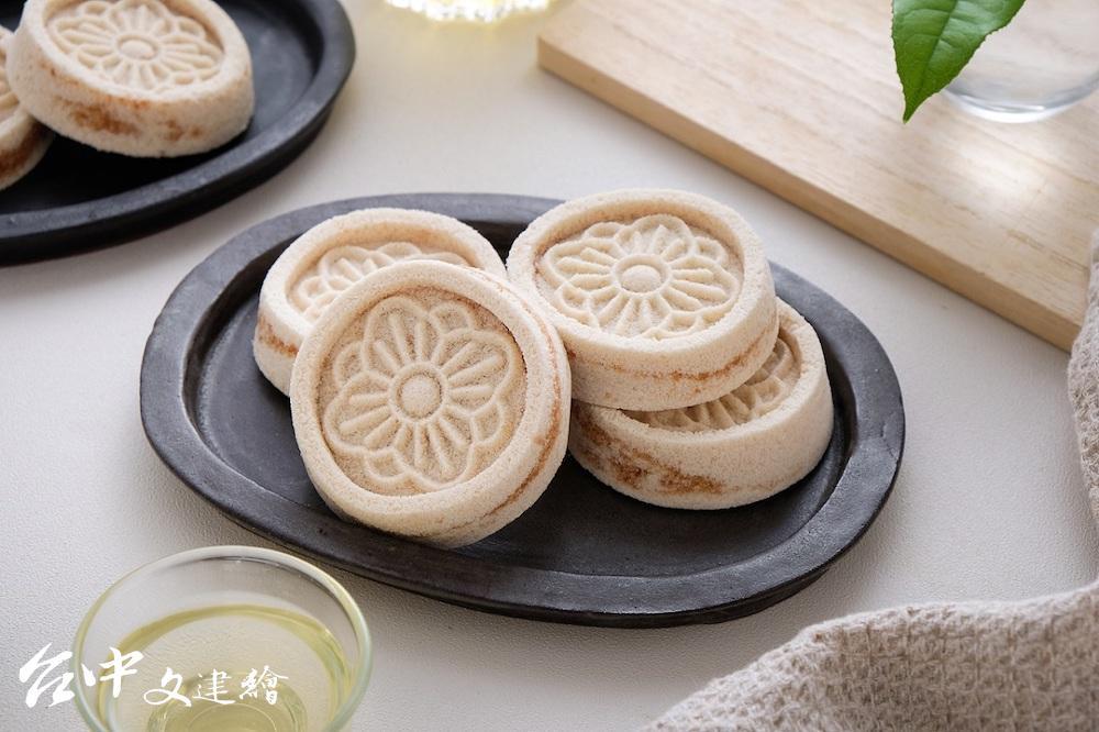 桂花糕使用有機梅粉,不添加甜精與防腐劑。(圖:業者提供)