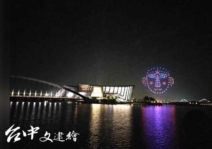 故宮南院 7、8月晚上推出無人機表演。(圖:故宮南院)