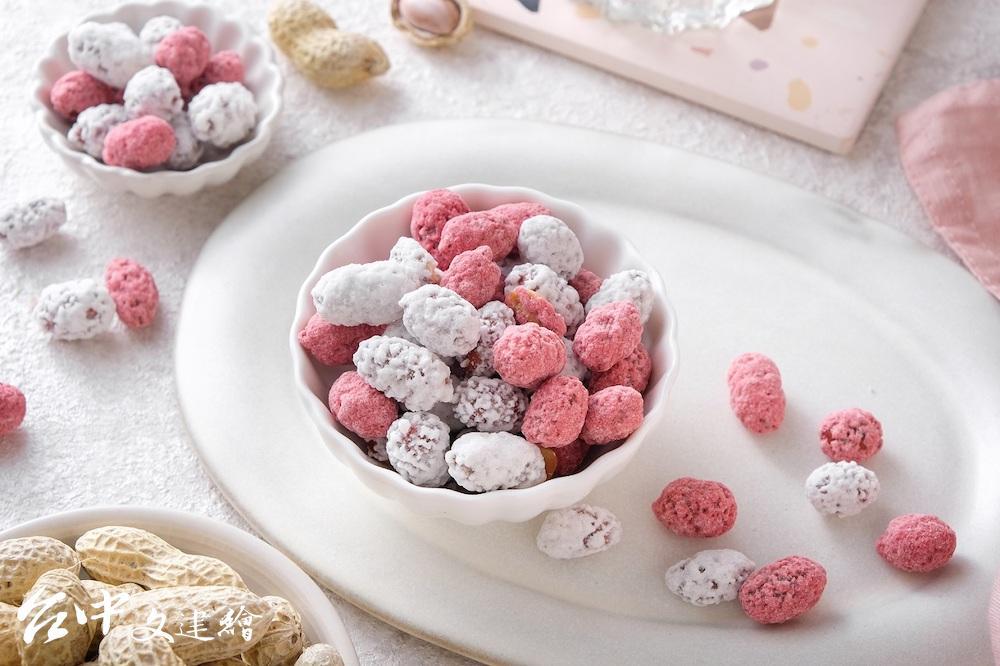 生仁糖使用天然甜菜根粉取代人工色素。(圖:業者提供)