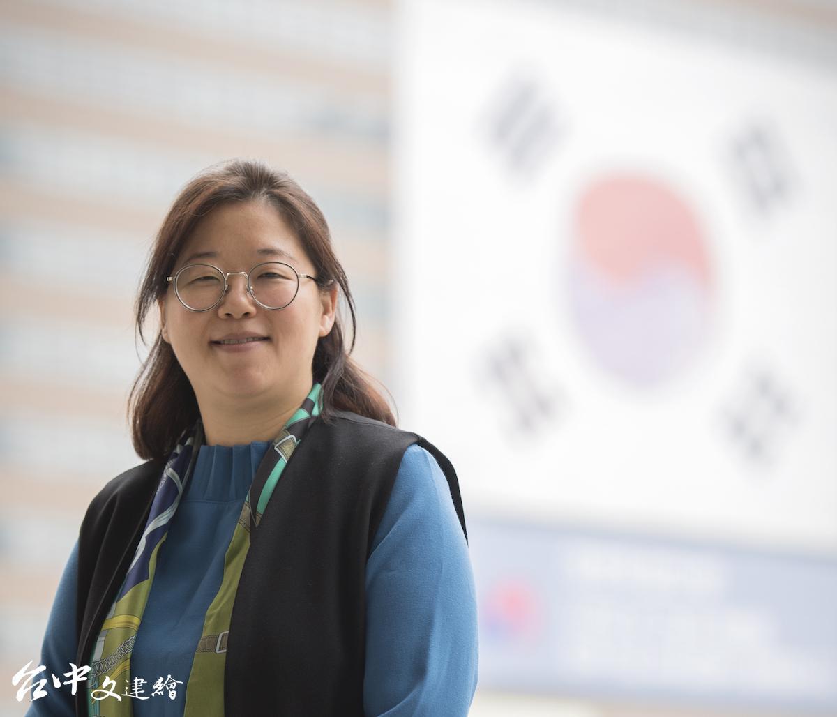 「音樂劇研習線上課程」主講者한아름(韓雅凜;Han A-reum)兼具劇作家、作詞家身分,作品橫跨音樂劇、話劇領域。(圖:台中歌劇院)