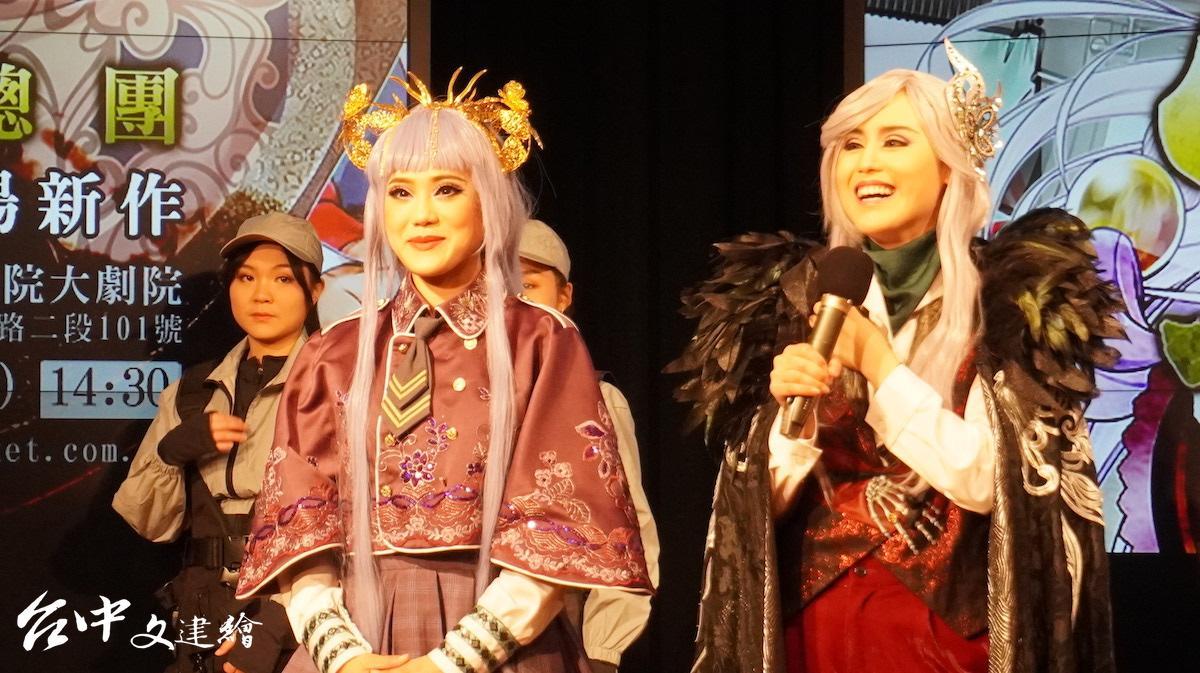 《冥戰錄》製作人陳昭賢(右)飾演大反派柳星羽,陳昭婷(左)則演出被植入媽祖神格的高中生趙小芸。(圖:台中文建繪)