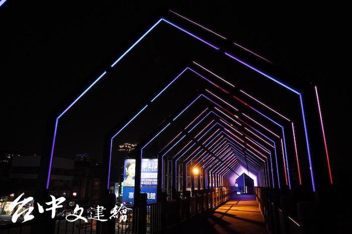 台灣大道、惠中路陸橋。(攝影:謝平平)