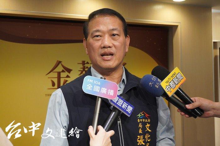 台中市文化局長張大春表示,台中市藝術家室內合唱團致力推廣合唱藝術,參與國外大賽獲獎,是該次受到評審青睞的原因。(攝影:謝平平)