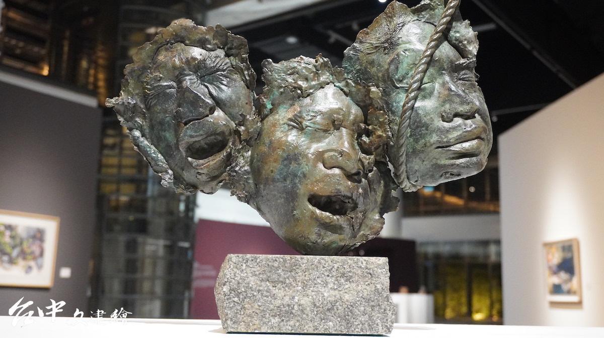 順天美術館館長陳飛龍青銅作品「黎明時刻」,1988。(攝影:謝平平)