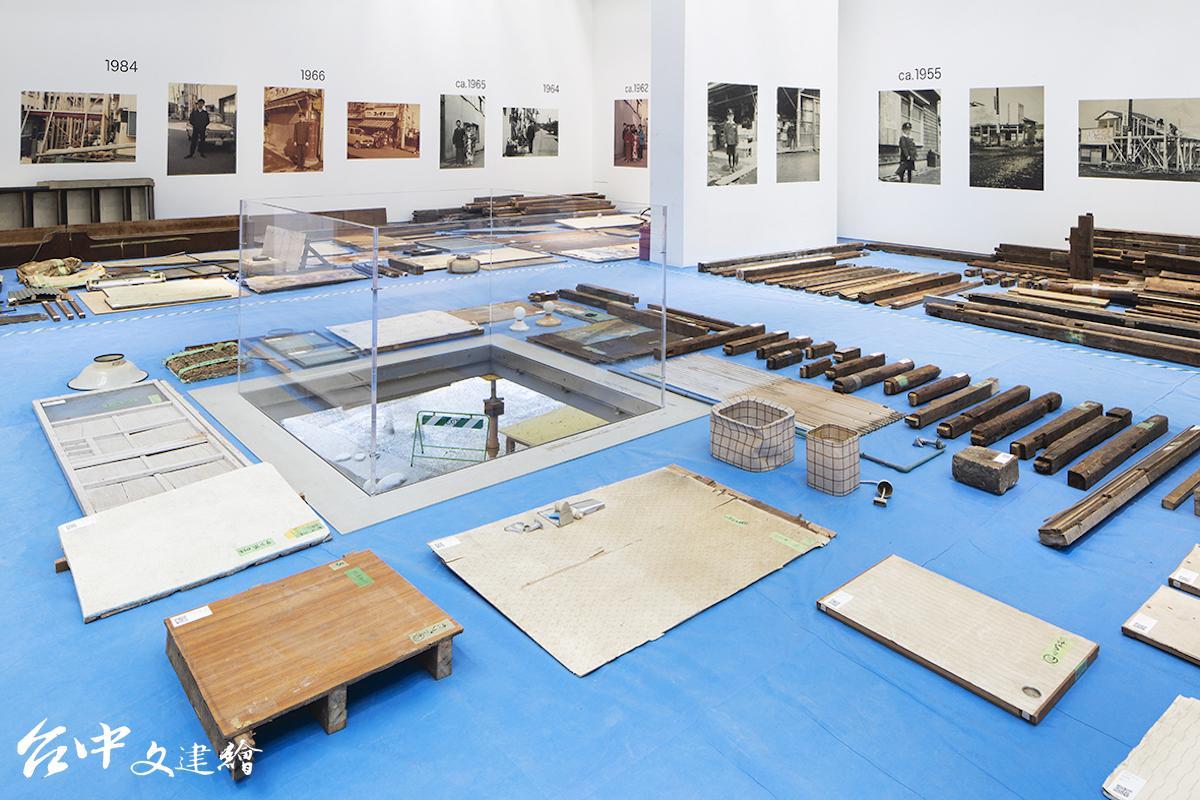 第17屆威尼斯建築雙年展,日本館以「CO-OWNERSHIP OF ACTION: TRAJECTORIES OF ELEMENTS(一起行動:元素們的軌跡)」為題展出概念。(圖:主辦單位官網,攝影:Francesco Galli)