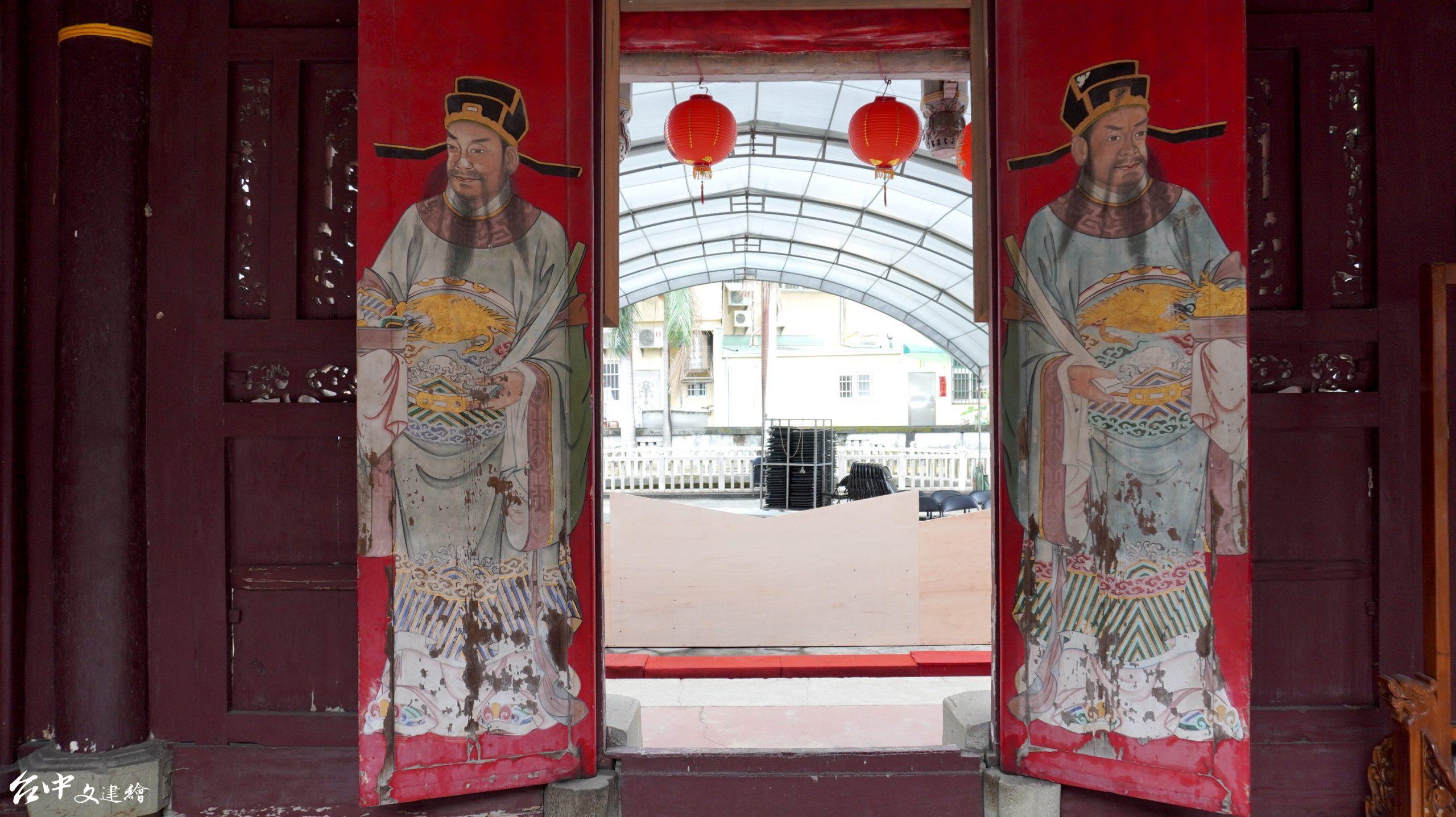 台中張廖家廟曾歷經二次整修,門神之前由彩繪匠師陳敦仁施作。(攝影:謝平平)