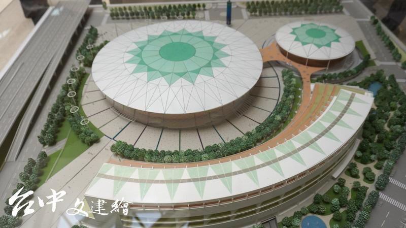 劉培森建築師事務所「台中巨蛋」模型。(翻攝:謝平平)