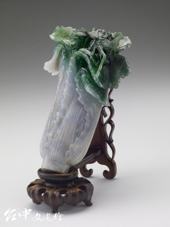 清 翠玉白菜 (圖:國立故宮博物院)