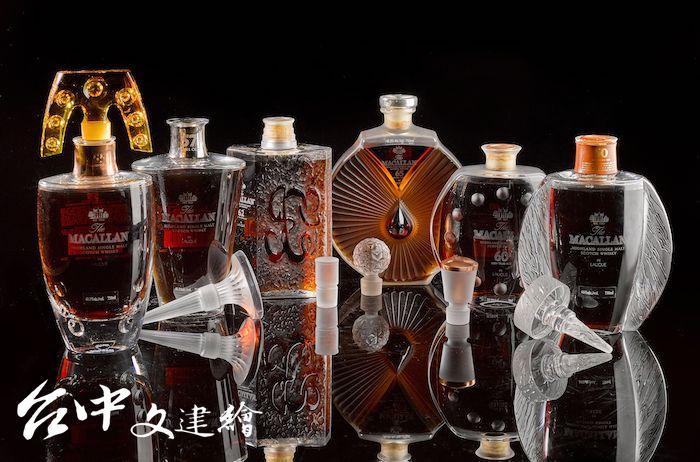 麥卡倫(The Macallan)與法國水晶大師 Lalique 合作的「Six Pillars」系列。(圖:蘇富比提供)