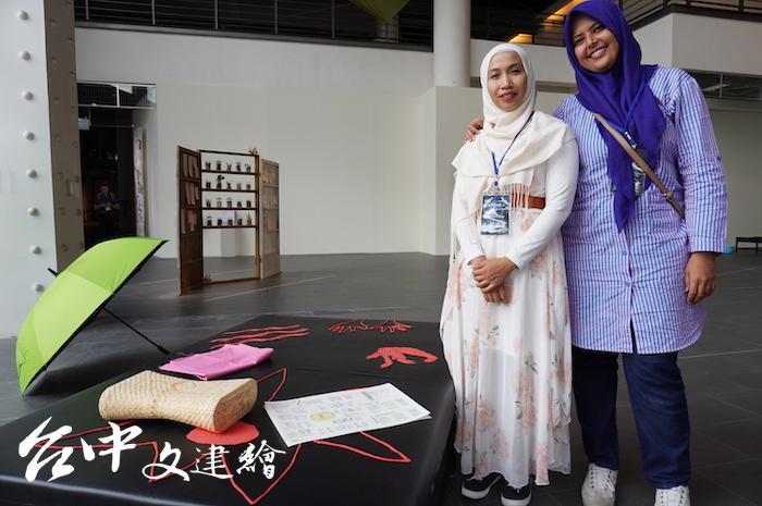 2019年國美館亞洲藝術雙年展開展,5、6日有按摩舒壓活動。(攝影:謝平平)