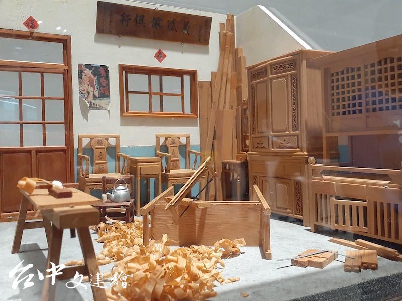 李義雄,義盛傢俱行,45公分X45公分X45公分,2006。(攝影:謝平平)
