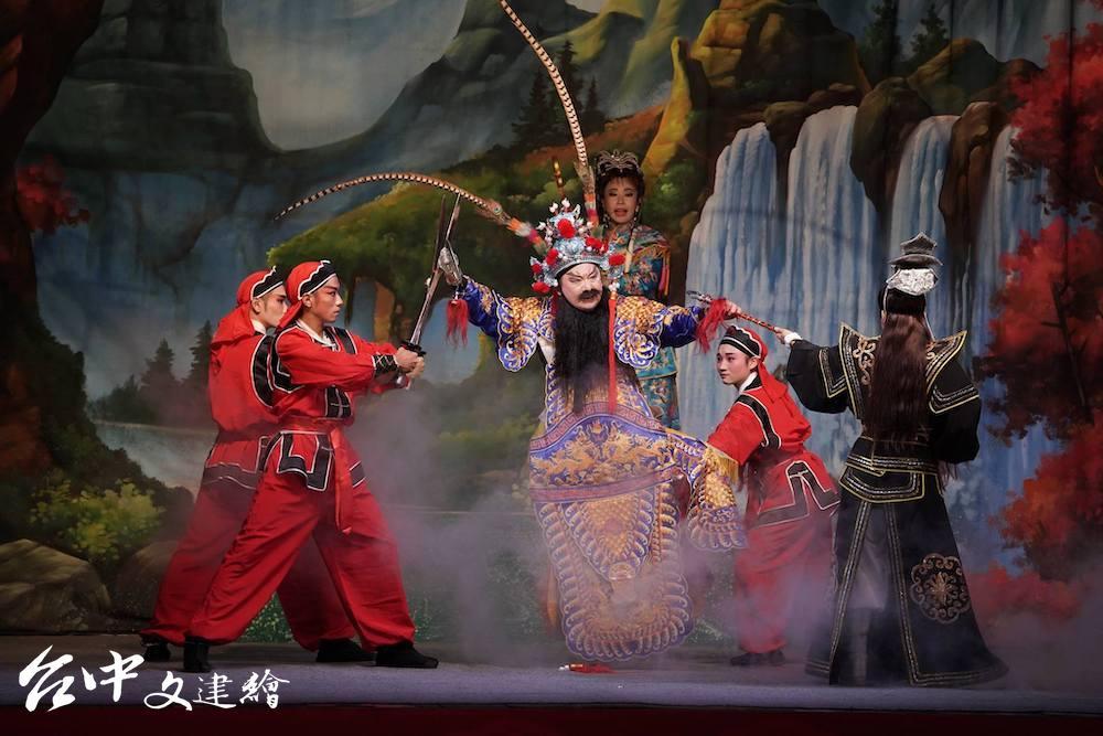 第9屆「台中市表演藝術金藝獎」由國光歌劇團獲獎。(圖:「國光歌劇團」粉專)