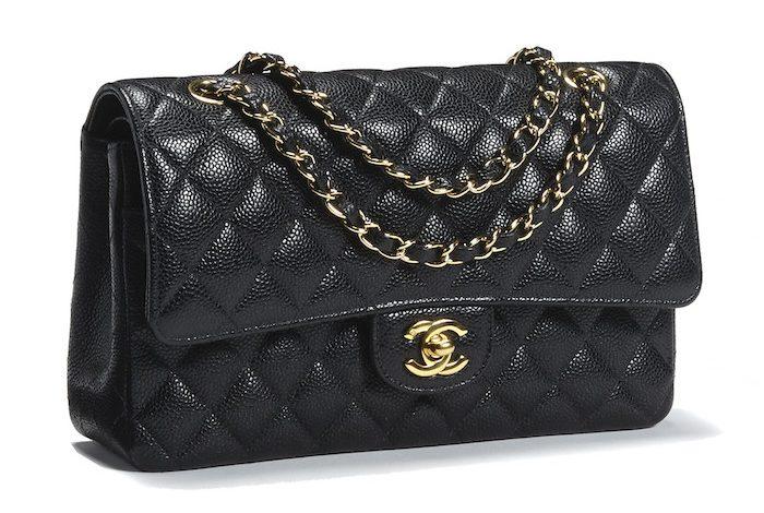 香奈兒(Chanel)「2.55」黑色絎縫手袋,2014 年在洛杉磯邦瀚斯「時代藝術與設計」拍賣中成交,3,500 美元。(圖:業者提供)