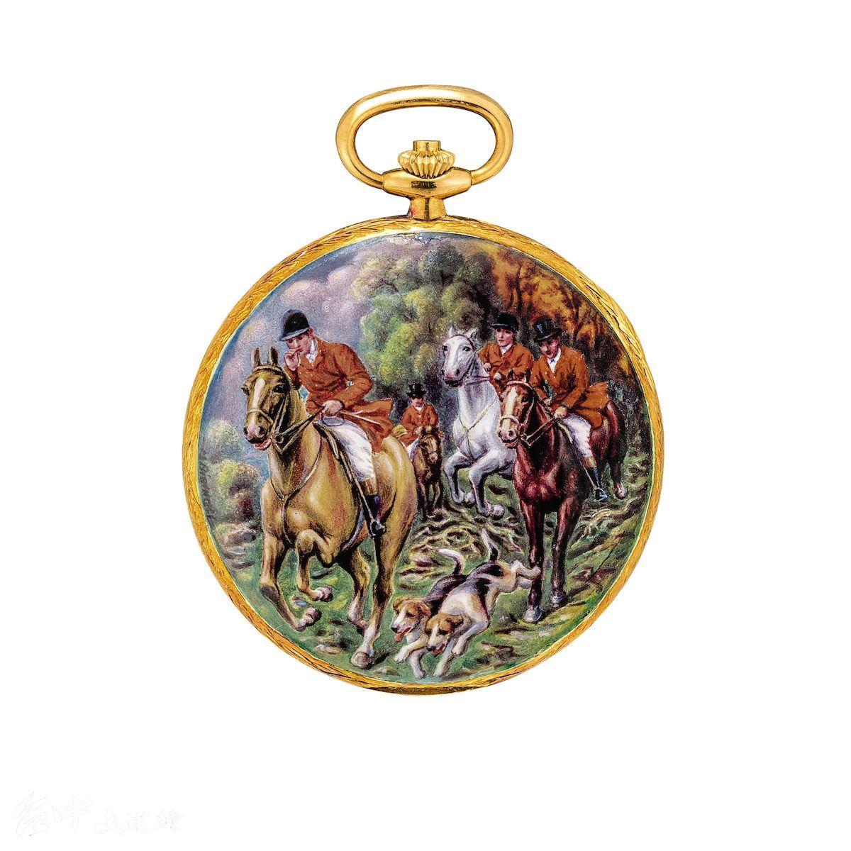 百達翡麗型號 823/003 黃金獵殼懷錶,此為其中一只,配 Madame Marthe Bischoff 臨摹 Carle Vernet 油畫作品的雙面微繪琺瑯。 Gübelin 發行,附原廠證書、收據及盒子,1976年製。估價 877萬新台幣。(圖:業者提供)